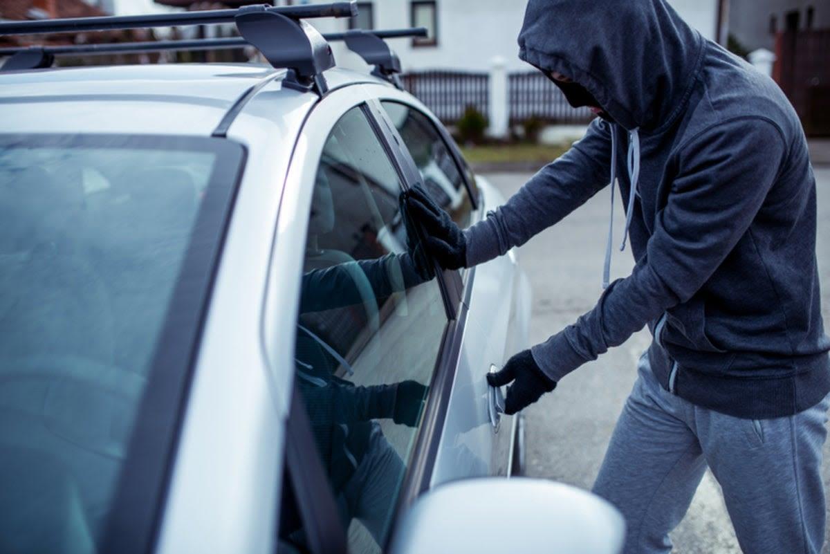 ilustrasi maraknya pencurian mobil dengan modus recall
