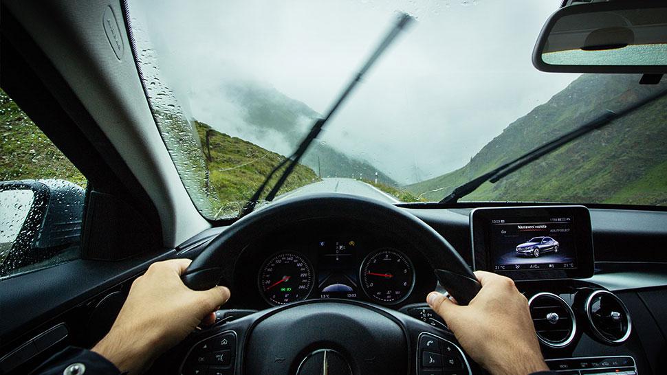 berkendara saat hujan ala Carsome